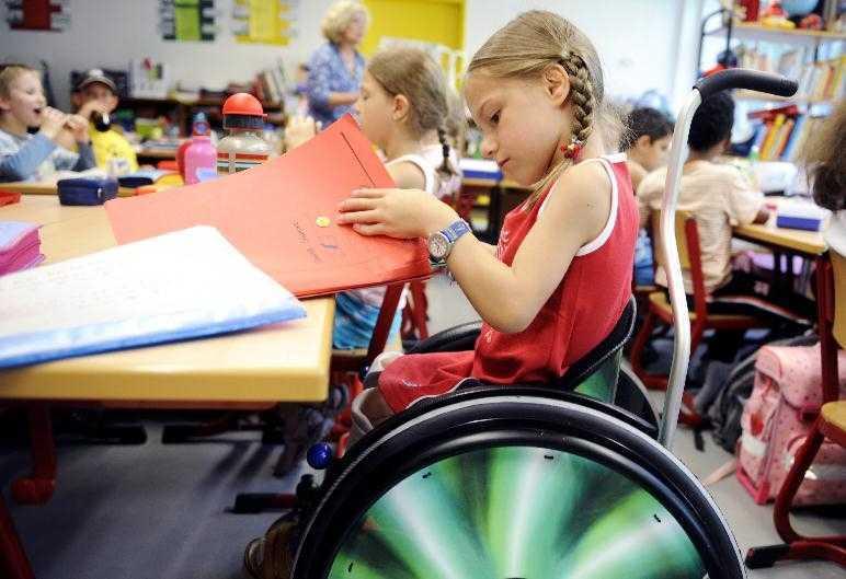 Как получить пособие по уходу за ребенком-инвалидом